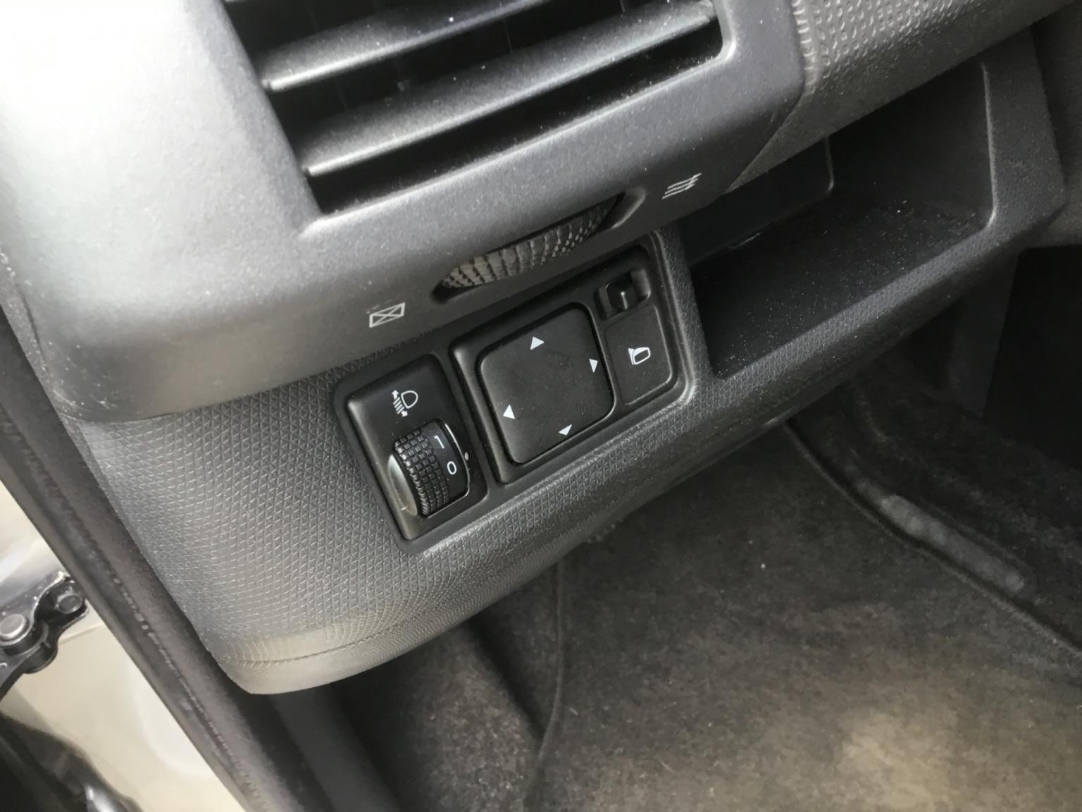 Nissan-Micra-11