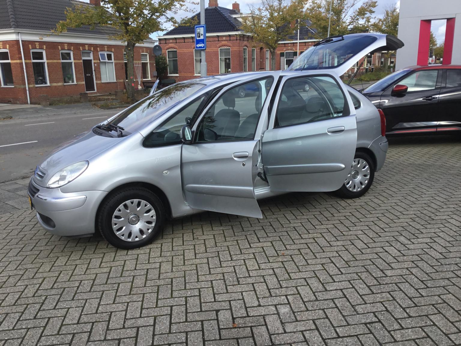 Citroën-Xsara Picasso-15